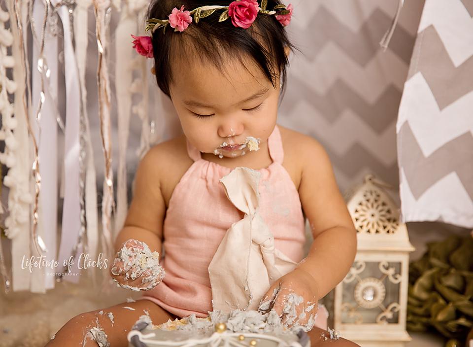 Houston Cake Smash photography - Lifetime of Clicks Photography #cakesmashsession