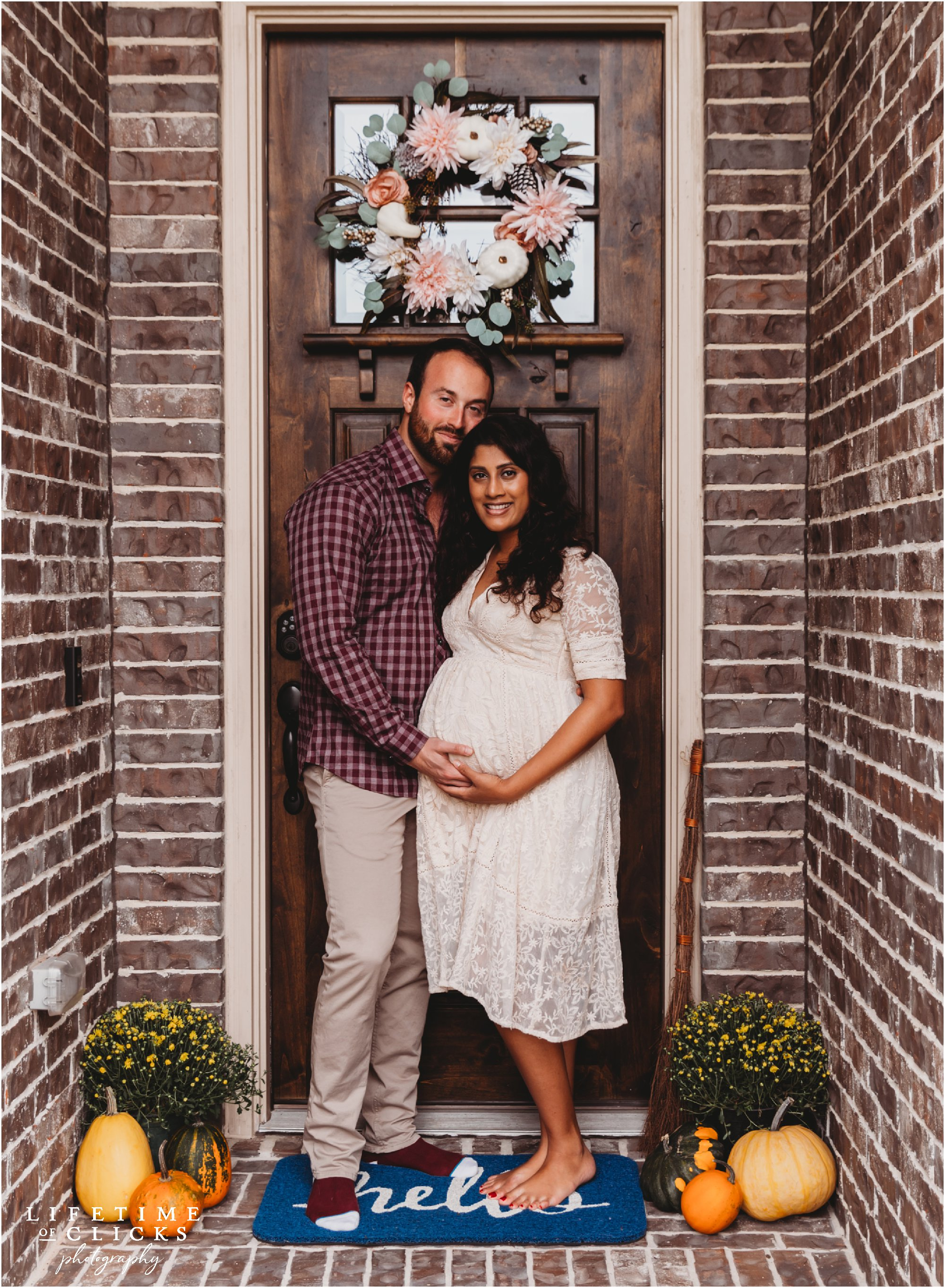 in-home maternity session in Katy TX