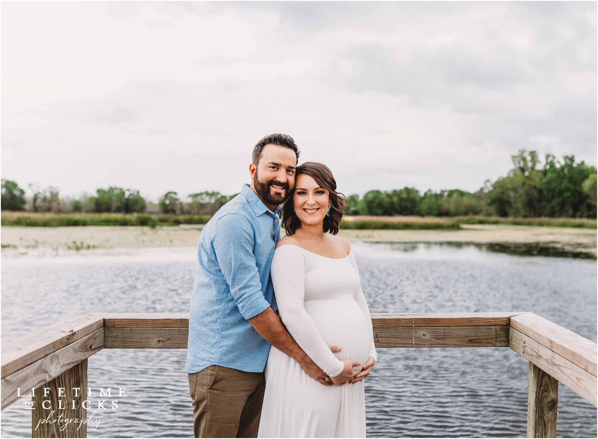 Katy TX couple posing for maternity photos