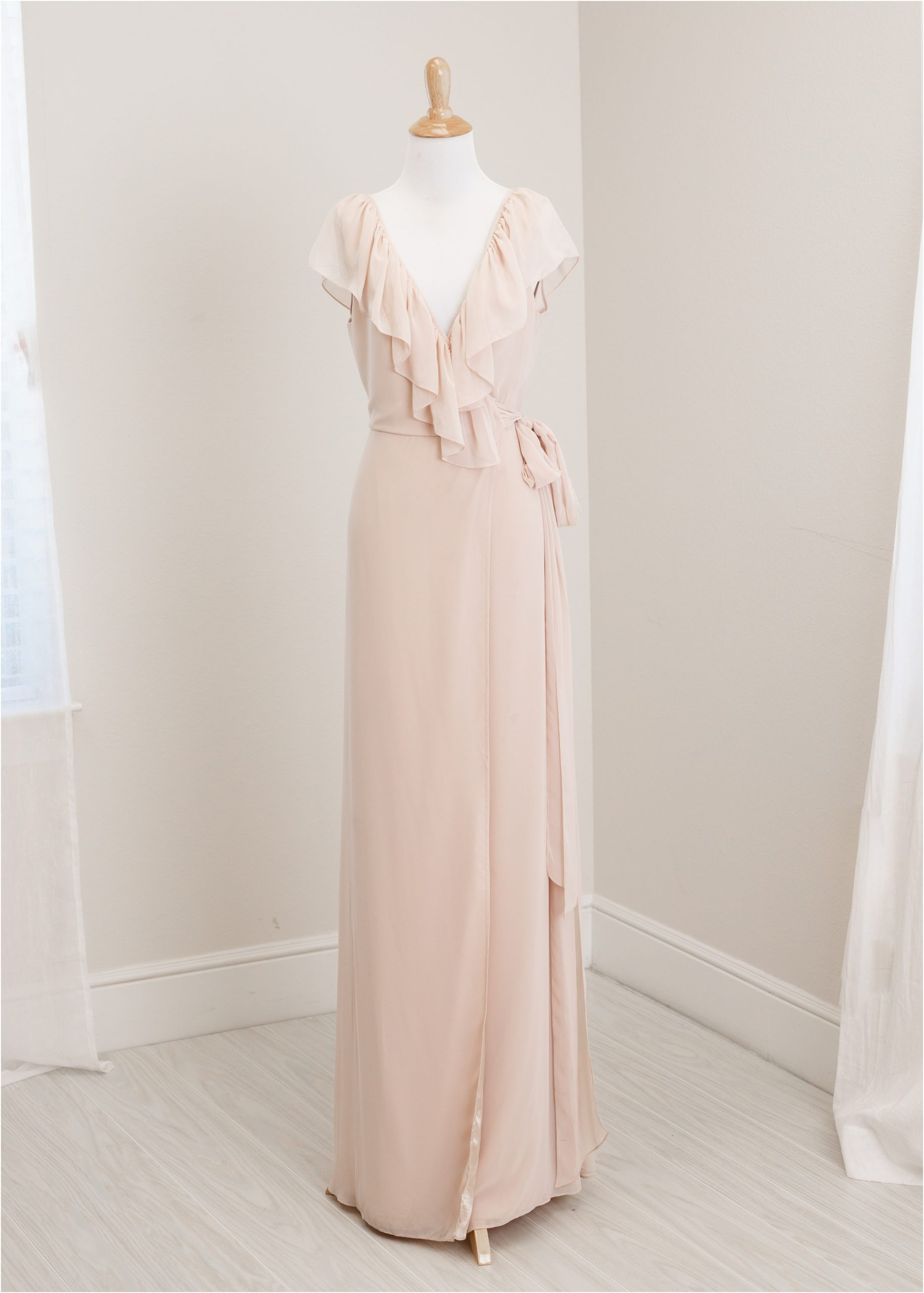 Ruffle blush maxi dress from Lifetime of Clicks Photography client wardrobe.