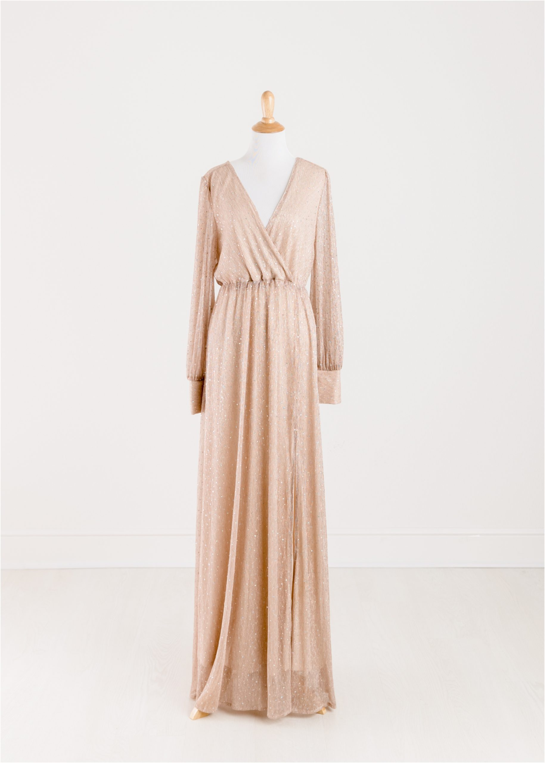 Blush maxi dress with sleeves provided by the Client Wardrobe of Lifetime of Clicks Photography.