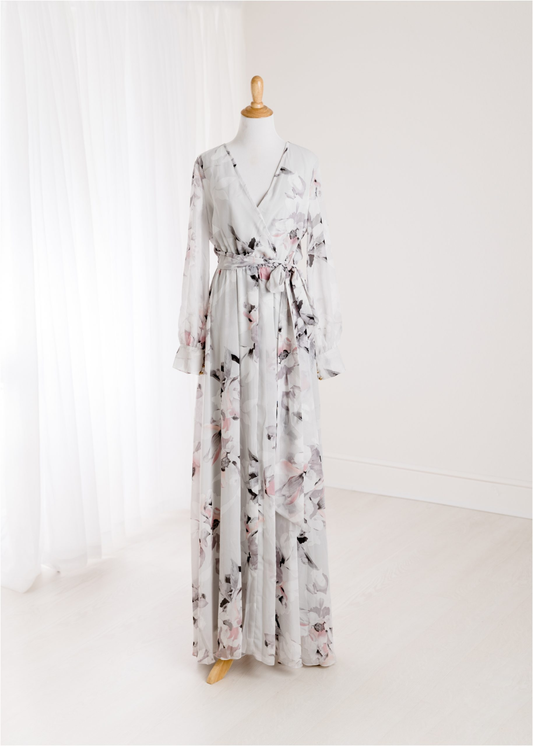 Grey floral maxi dress provided by the Lifetime of Clicks Photography client wardrobe.