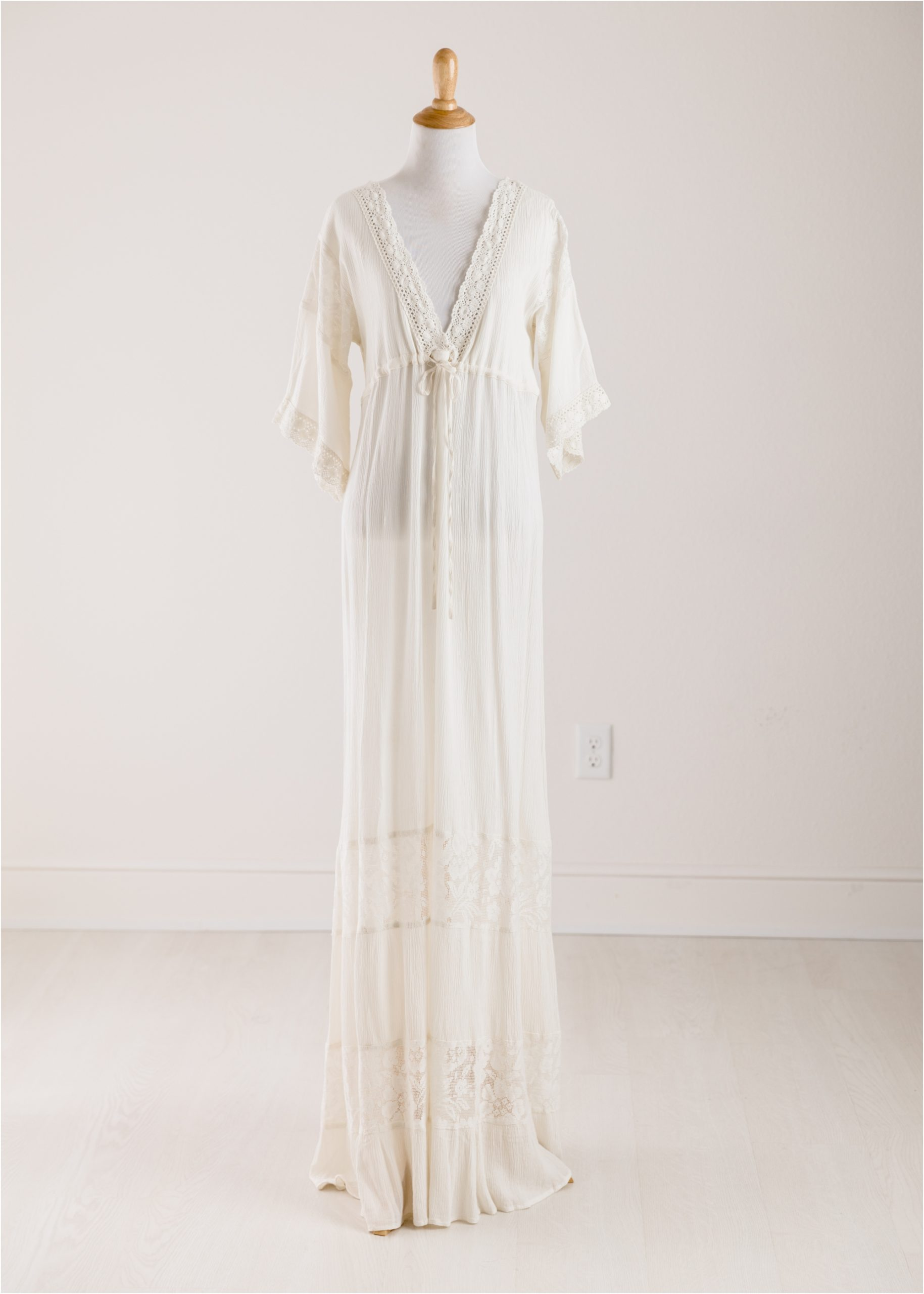Off white boho maxi dress with lace provided by the Client Wardrobe of Houston TX photographer, Lifetime of Clicks Photography.